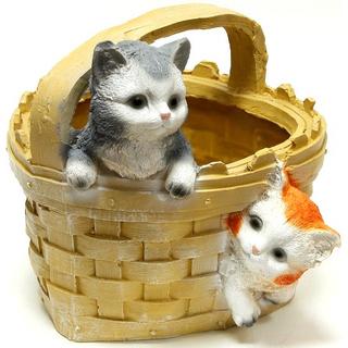 """Сувенирное садовое кашпо """"Корзина с котятами"""""""