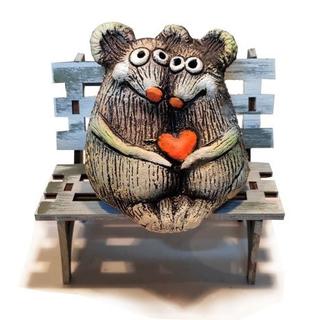 Мышки с сердцем на скамейке